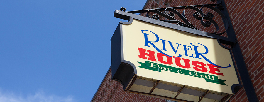 River House Bar and Grill Moline Illinois