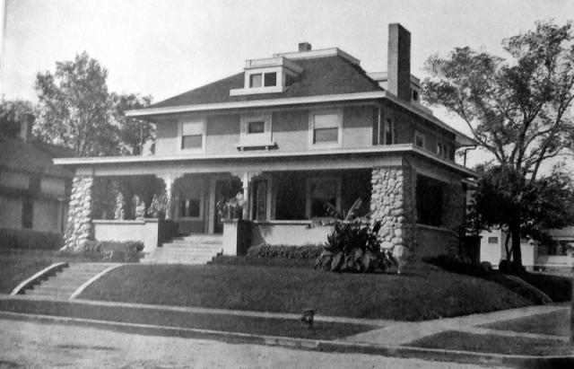 Alumni House in 1903